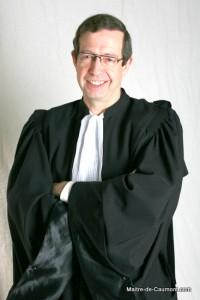 Eric de Caumont en robe grande image